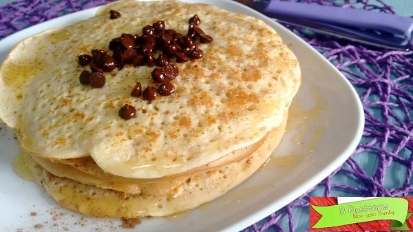 Pancakes con avena, miele e cannella
