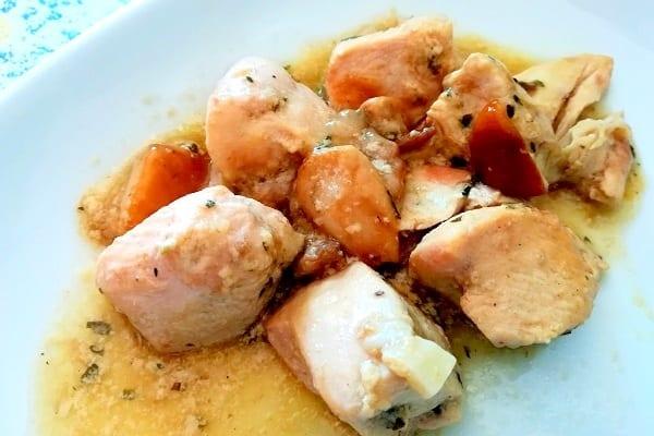 Bocconcini di pollo in salsa di funghi porcini