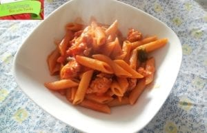 Pasta al sugo e salsiccia, ricetta veloce