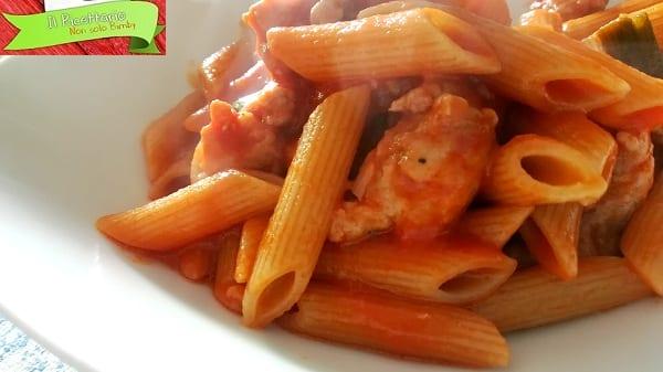 Pasta al sugo e salsiccia, ricetta veloce 2