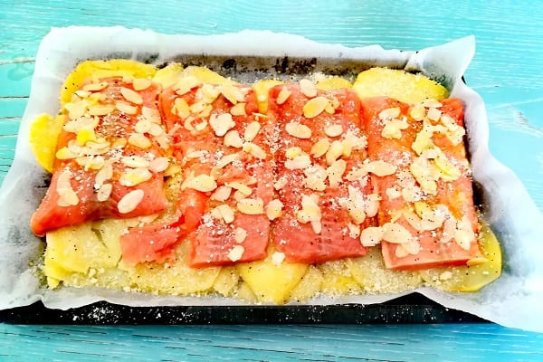 Filetto di salmone in crosta di mandorle 2