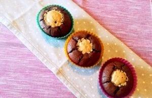 Muffin al cioccolato senza glutine e burro d'arachide
