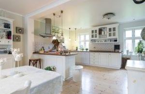 Riordinare la cucina col metodo Marie Kondo: da dove iniziare?