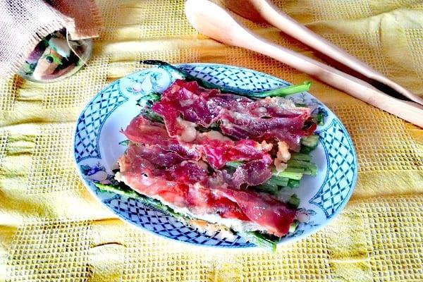 Asparagi alla parmigiana con speck