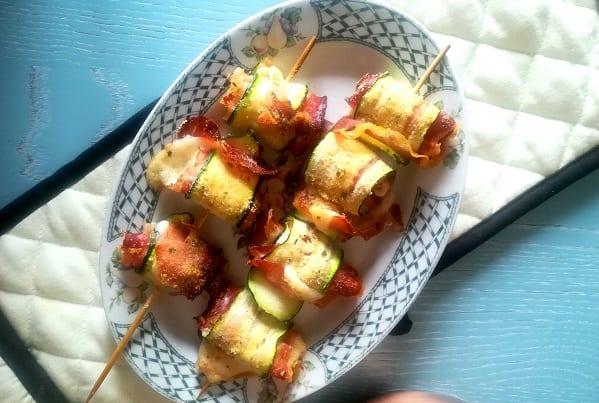 Involtini di zucchine con provolone e speck