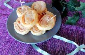Girelle di pasta sfoglia con prosciutto e formaggio