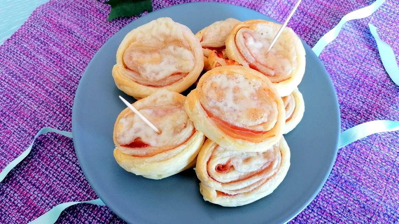 Girelle di pasta sfoglia con prosciutto e formaggio 4