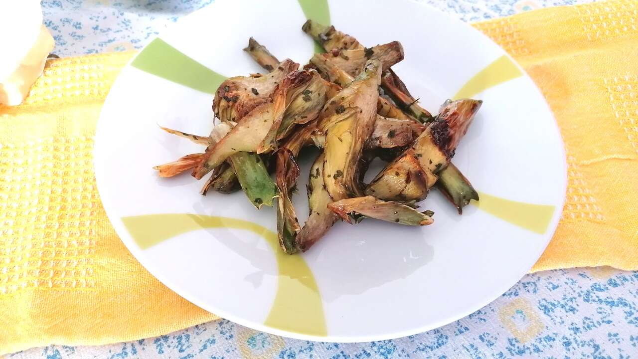 Carciofi fritti aglio e prezzemolo 5