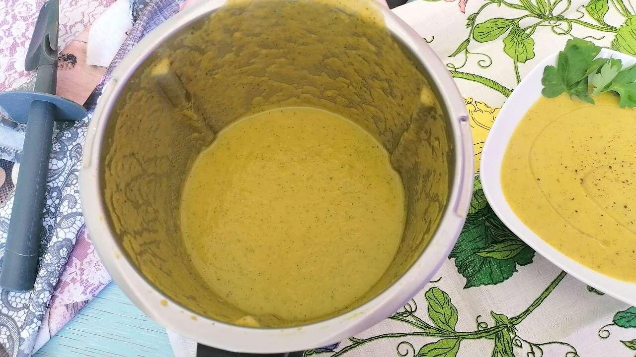 Vellutata detox carote e zucchine 2