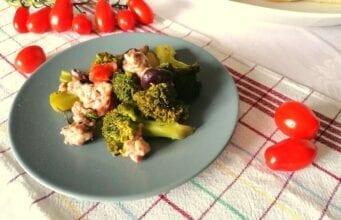 Broccoli con salsiccia in padella