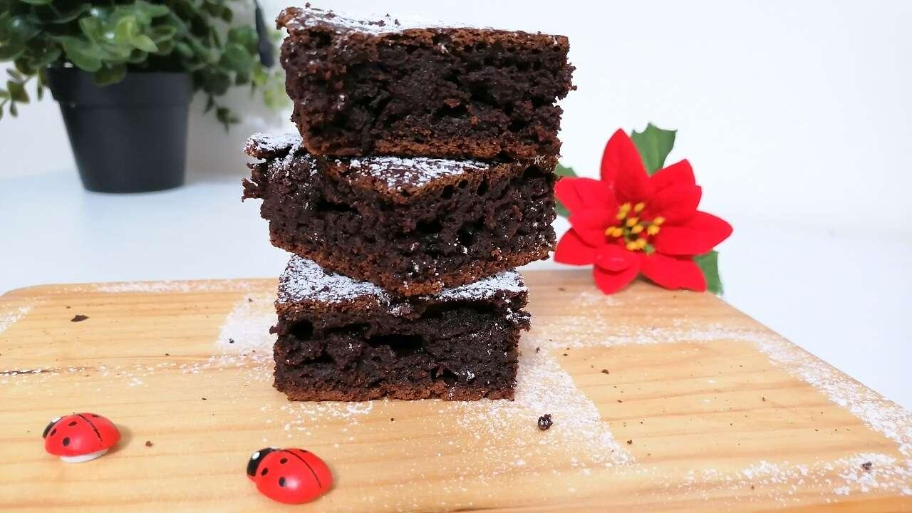 Ricetta Brownies Bimby Senza Burro.Brownies Allo Yogurt Greco Bimby Senza Burro E Uova Il Ricettario Di Cris